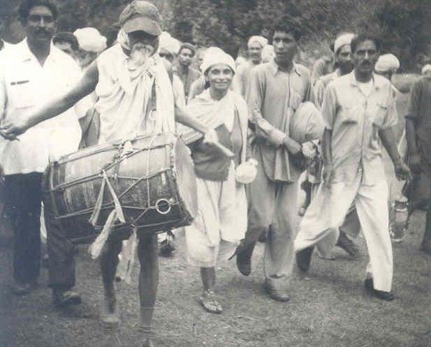 in 1960 Acharya Vinoba Bhave at Sirsa