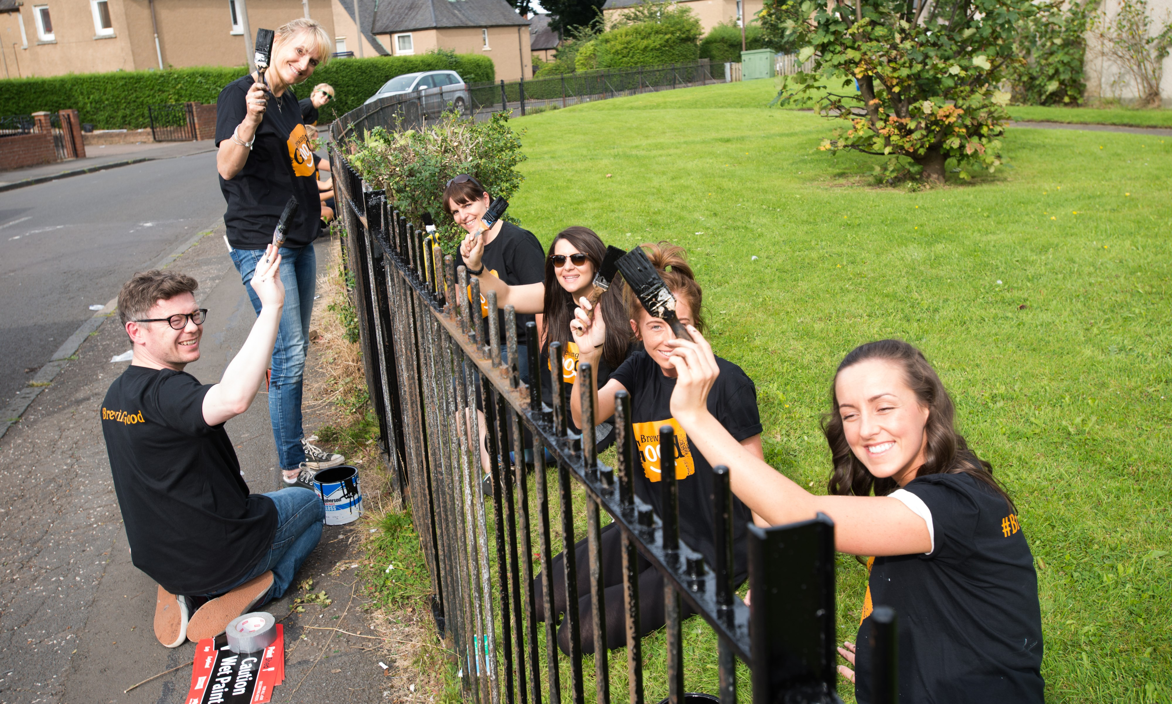 BrewingGoodLaughs-fence-painting